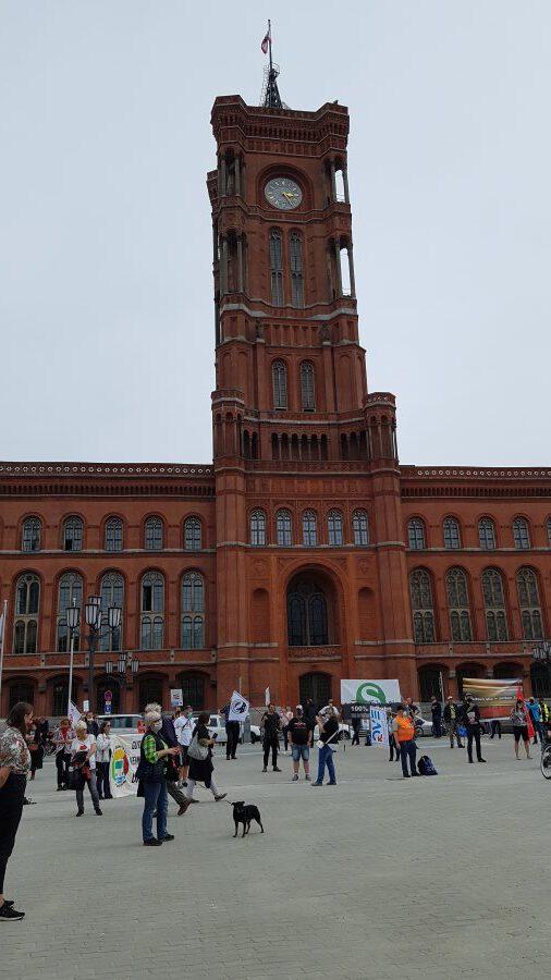 Aufstehen Berlin